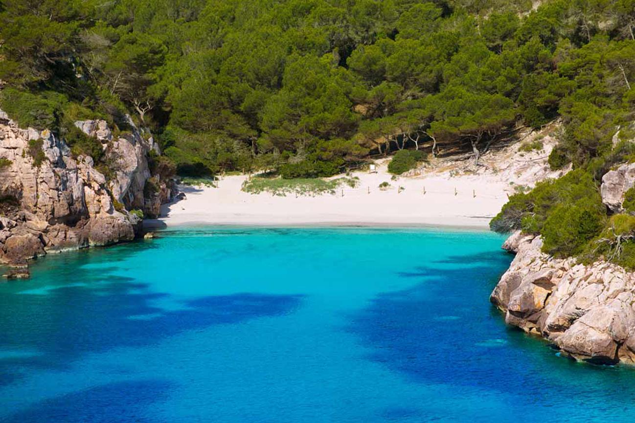 Cala-Macarelleta-en-Menorca