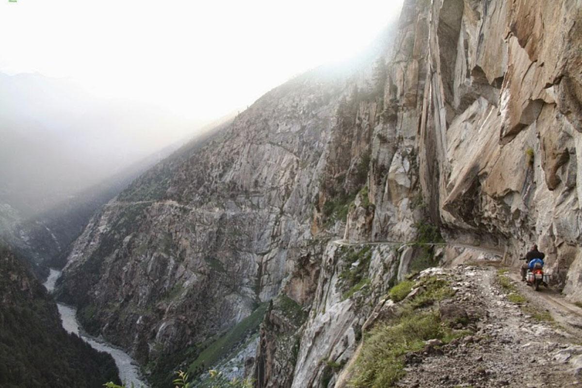 carreteras-peligrosas-karakorum-himalaya-pakistan