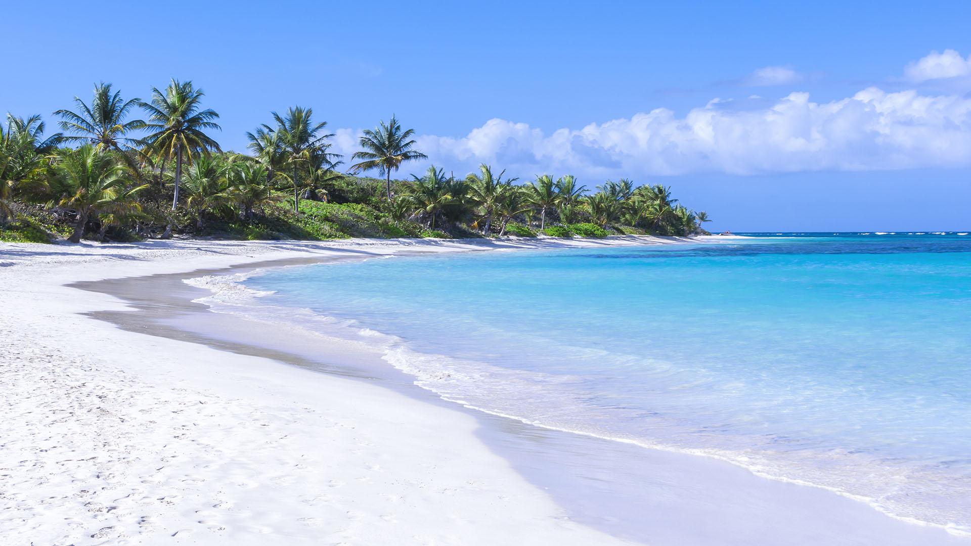 Playas_0012_Playa-Flamenco_-Puerto-Rico