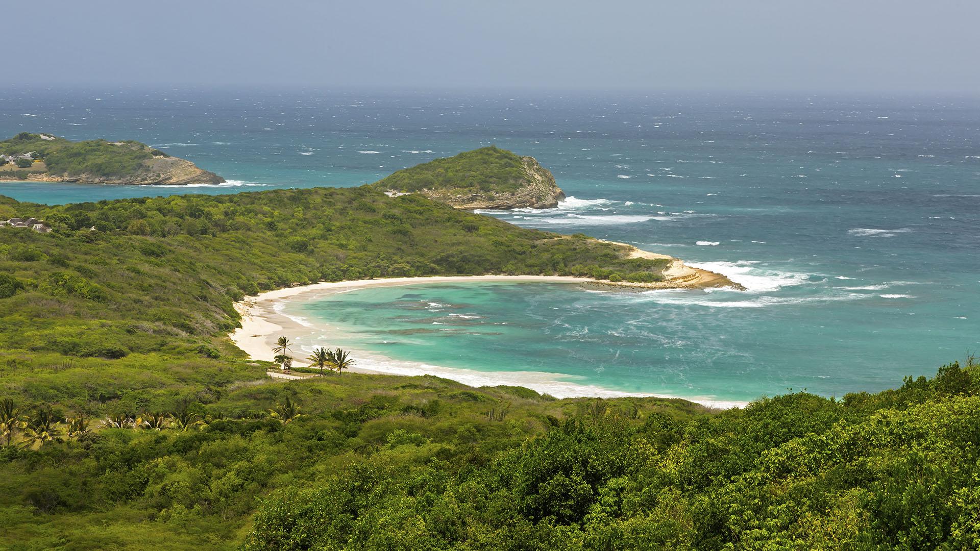 Playas_0015_Half-Moon-Bay-en-Antigua-y-Barbuda