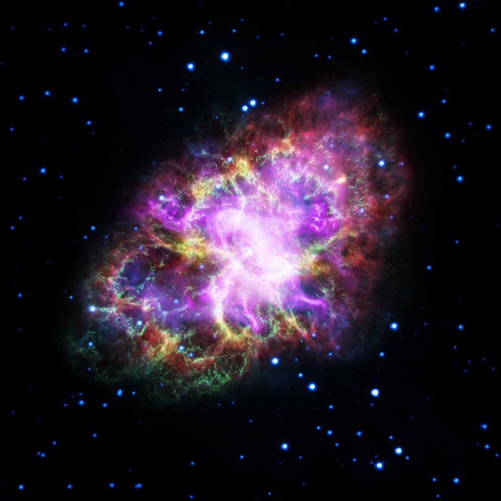 Un immagine composta della Nebulosa Granchio, realizzata mettendo insieme i dati di cinque diversi telescopi: Very Large Array, Spitzer Space Telescope, Hubble Space Telescope, XMM-Newton Observatory, e Chandra X-ray Observatory. La Nebulosa Granchio si trova a 6.500 anni luce da noi ed è visibile nel cielo notturno nella costellazione del Toro. La nebulosa è il frutto di una supernova, una gigantesca esplosione in seguito alla morte di una stella. Durante questo evento, buona parte del materiale che costituiva la stella è stato spinto nello spazio circostante, formando una nube di gas e polveri molto grande, la cui ampiezza è stimata intorno ai 6 anni luce.  (NASA, ESA, NRAO/AUI/NSF e G. Dubner, Università di Buenos Aires)