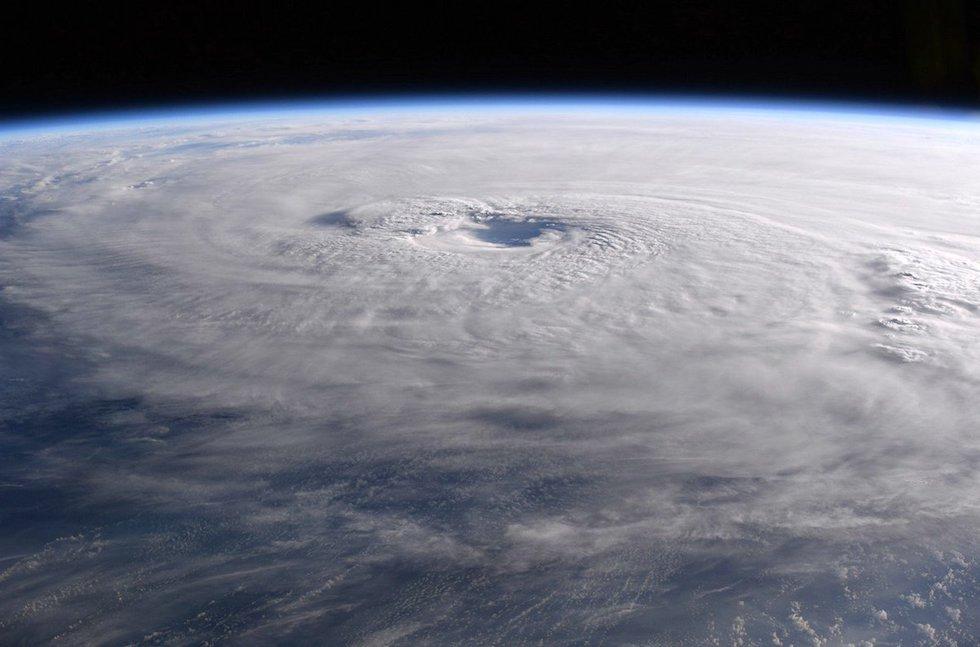 L'uragano Maria nel suo passaggio sul Mar dei Caraibi, fotografato il 21 settembre dall'astronauta italiano Paolo Nespoli sulla Stazione Spaziale Internazionale  (Paolo Nespoli, ESA/NASA)