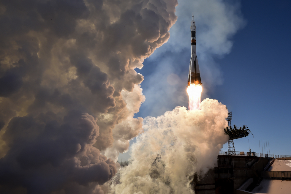 La Soyuz MS-07 in partenza dalla base spaziale di Baikonur, Kazakistan, per portare tre astronauti sulla Stazione Spaziale Internazionale nell'ambito dell'Expedition 54/55, il 17 dicembre 2017  (KIRILL KUDRYAVTSEV/AFP/Getty Images)