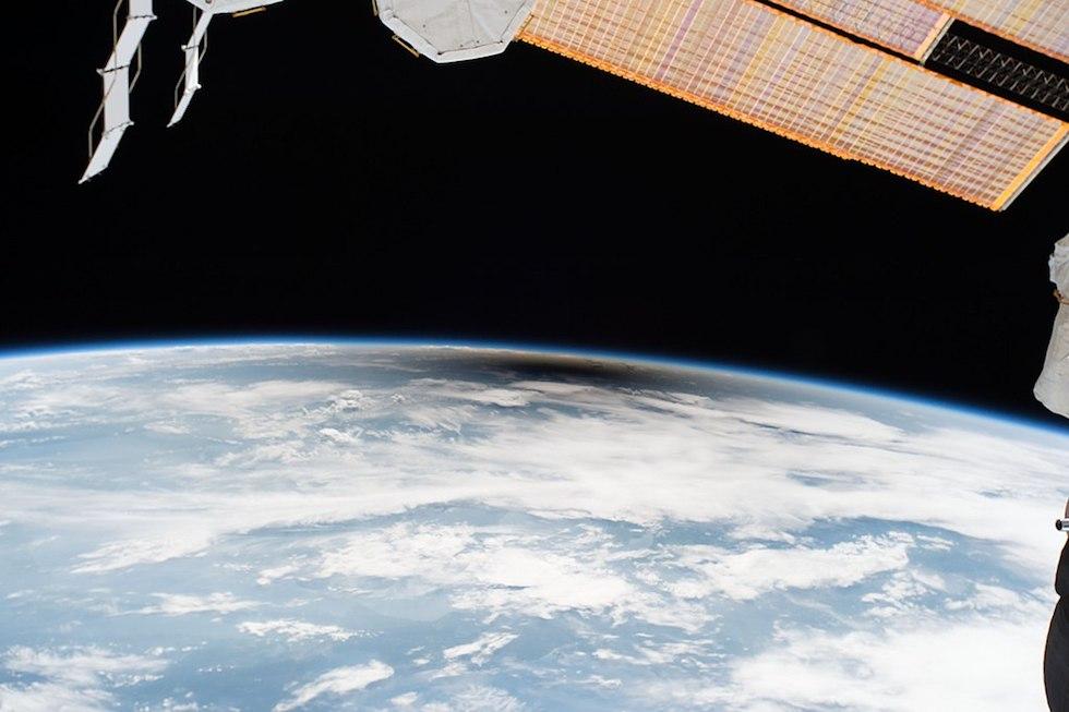 L'ombra della Luna sulla Terra vista dalla Stazione Spaziale Internazionale, durante l'eclissi solare totale del 21 agosto scorso  (ESA/NASA)