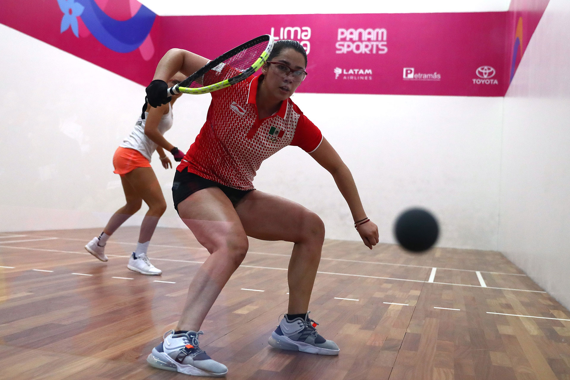 XVIII Pan American Games - Lima 2019 - Racquetball - Women's Team Gold Medal - Racquetball Courts, Lima, Peru - August 10, 2019. Argentina's Natalia Mendez and Mexico's Montserrat Meji in action. REUTERS/Pilar Olivares